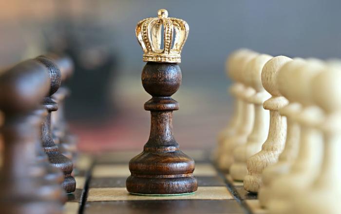 Schachkönig mit Krone